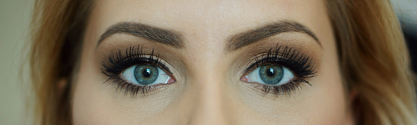 Anastasia Beverly Hills VS BENEFIT SOURCILS