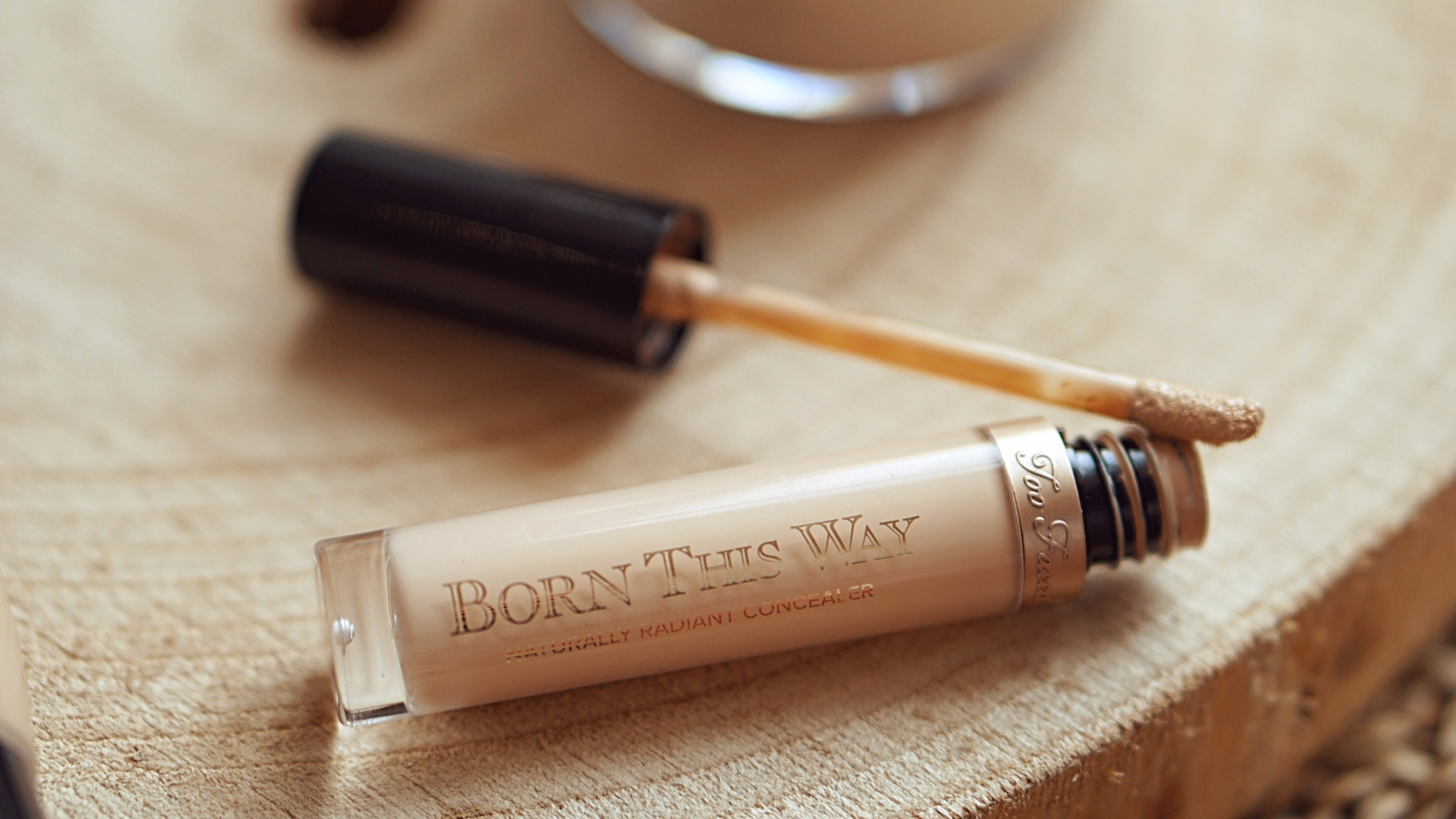 Top & Fop OCTOBRE bonjourblondie anti cernes born this way too faced avis
