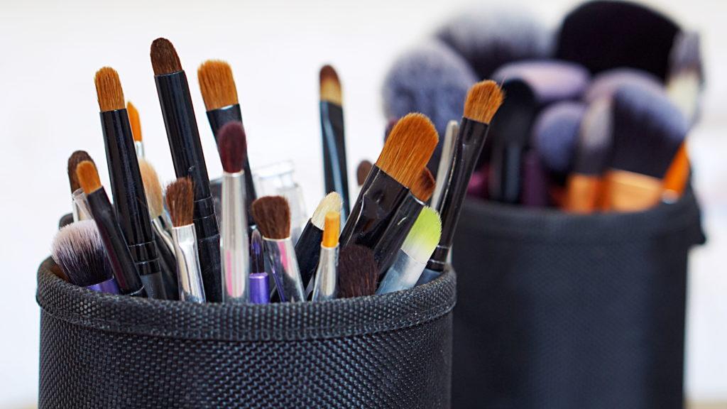 TAG   My Everyday Makeup Brushes + Wishlist