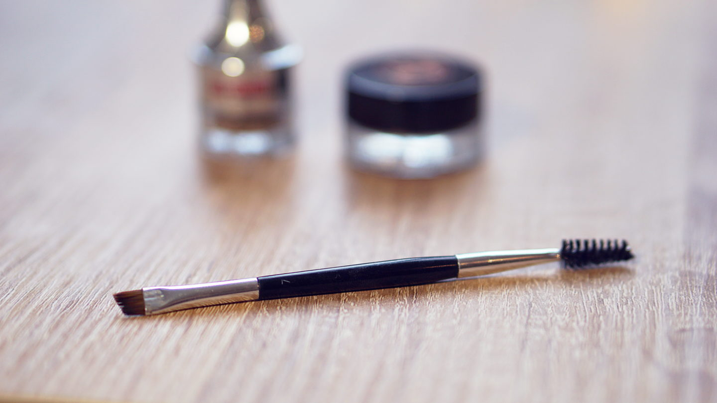 Anastasia Beverly Hills Dip Brow Pomade Taupe Pinceau Sourcils